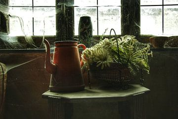 Een paar verlaten spullen in een verlaten huis van Melvin Meijer