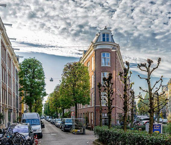 De Gerard Doustraat met de Quellijnstraat in de Pijp.