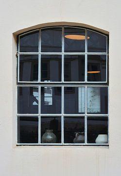 Fenster an einem Wohnhaus in der Altstadt von Quedlinburg von Heiko Kueverling