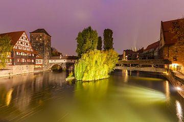 The old town of Nuremberg at night van