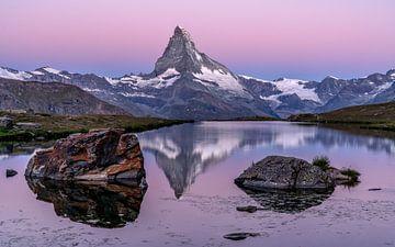 Sonnenaufgang über dem Matterhorn von Achim Thomae