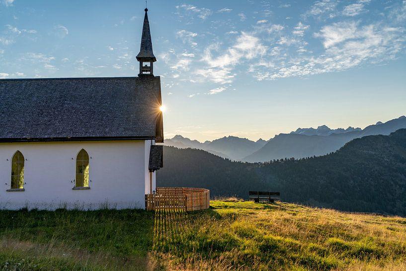 Kapel in de bergen van Martijn Joosse