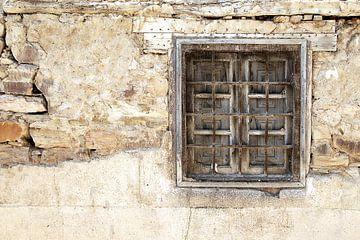 Vervallen raam sur Sigrid Klop