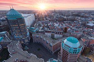 Skyline van Den Haag tijdens zonsondergang