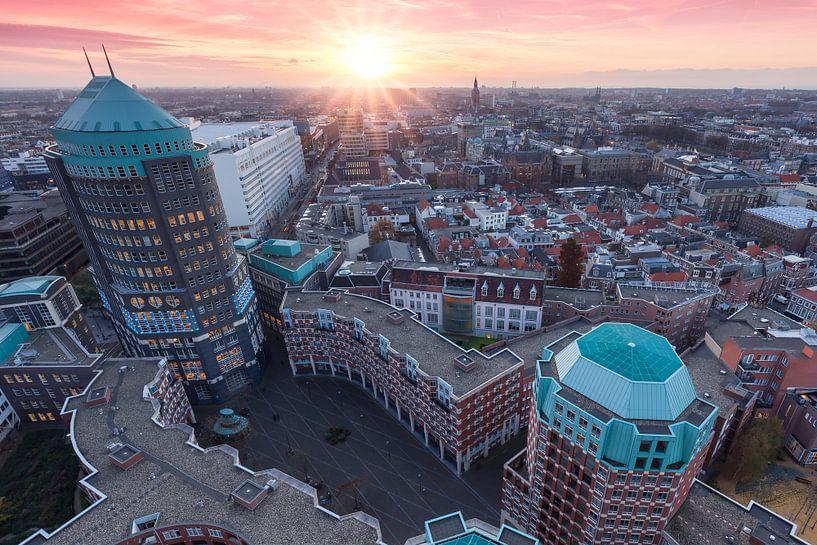 Skyline van Den Haag tijdens zonsondergang van Rob Kints