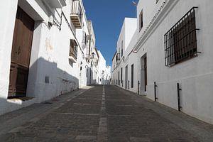 Straße in Vejer de la Frontera von Gottfried Carls