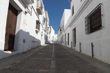 Straat in Vejer de la Frontera van Gottfried Carls