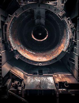 chimney in a steelplant Urbex sur Olivier Van Cauwelaert