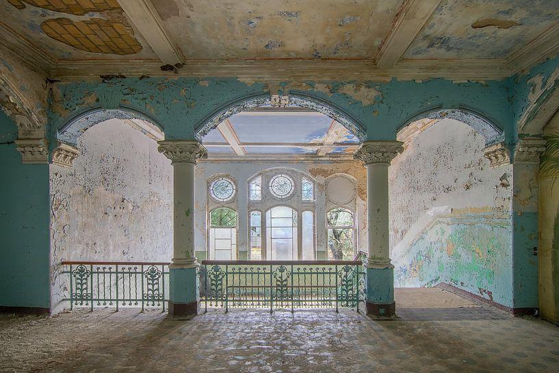 Curves - Beelitz Heilstätten von Frans Nijland