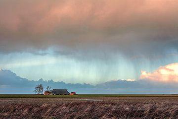 Regen auf dem Land in Groningen Niederlande von R Smallenbroek