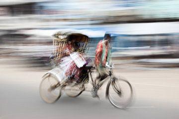 Promenade en pousse-pousse dans les rues de Puri (Inde)