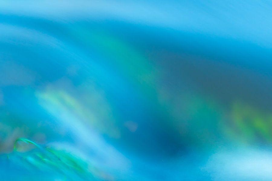 """""""Water motion""""  -  stromend water in een beek (long exposure) van Art Wittingen"""