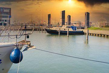 Dramatisches Foto mit einem Boot im kleinen Hafen an der Zuid-Willemsvaart in Weert von J..M de Jong-Jansen