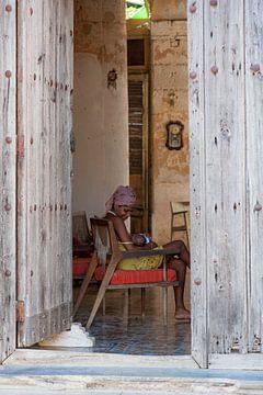 Cubaanse vrouw voedt haar baby