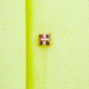 Abstract van pastel groen op een roestig paneel van