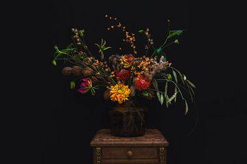 Oranje bloemen in vaas, orange flowers in a vase