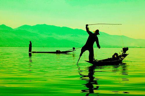 Vissers op Inle Lake, Myanmar van