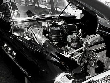 Engine of a  Black Oldtimer Buick  von Nicky`s Prints