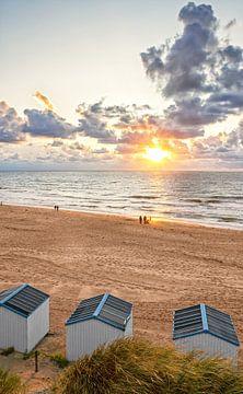 Zonsondergang op het strand van de Koog op Texel / Sunset in de Koog on Texel beach van