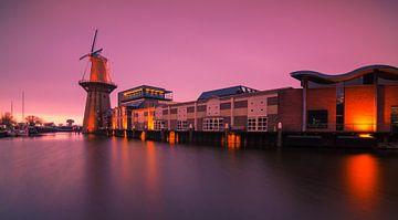 Nolet molen in Schiedam van Ilya Korzelius