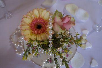 Bloemen in een theekopje van Andrea Ooms