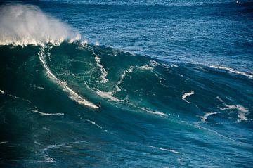 Surf in Nazaré - Portugal van Marieke van der Hoek-Vijfvinkel
