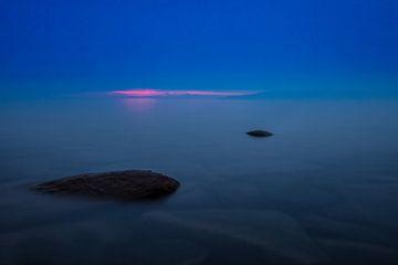 Blaues Wasser des Baikalsees von Michael Semenov