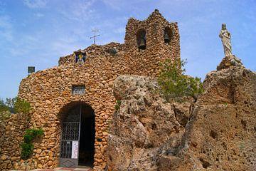 Die Ruinen der Ermita de la Virgen de la Peña Schloss in Mijas, Spanien