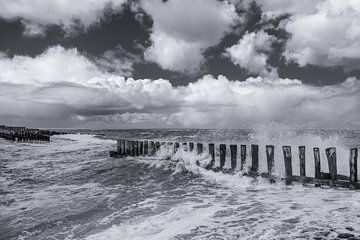 Sturm am Meer von Henk Verstraaten