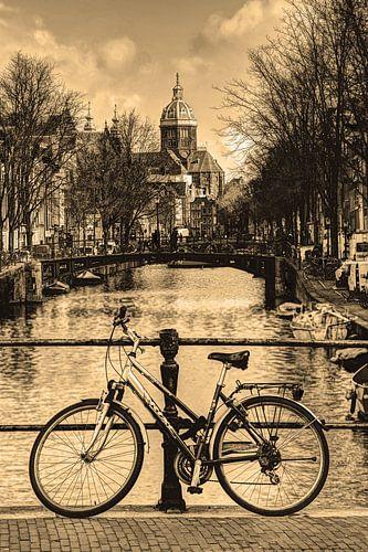 Binnenstad van Amsterdam in de Winter Sepia