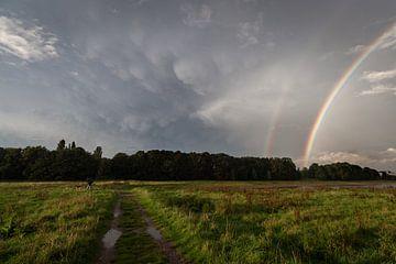 Regenboog en Mammatus van Paul Glastra Photography