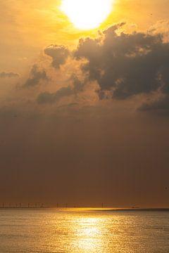 Windmolens bij zonsondergang 6 von Fred Icke