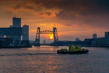 Zonsondergang bij de Hef (Rotterdam) van Mylène Amoureus
