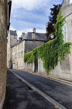 Leere Straße in der Normandie von
