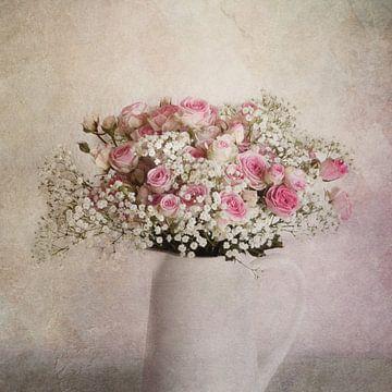 Kruik met rozen van Claudia Moeckel