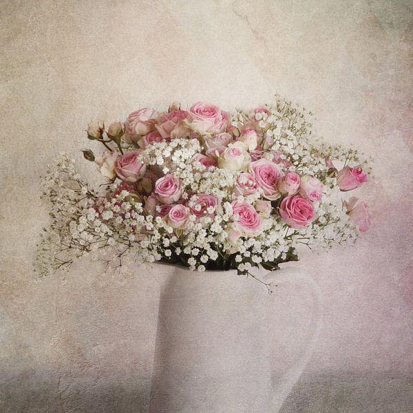 Krug mit Rosen von Claudia Moeckel