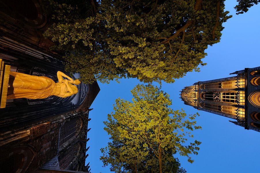 Verzetsmonument, Domkerk en Domtoren in Utrecht van Donker Utrecht