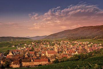 Ansicht von Riquewihr (Colmar), Elsass Frankreich von Dennis Donders