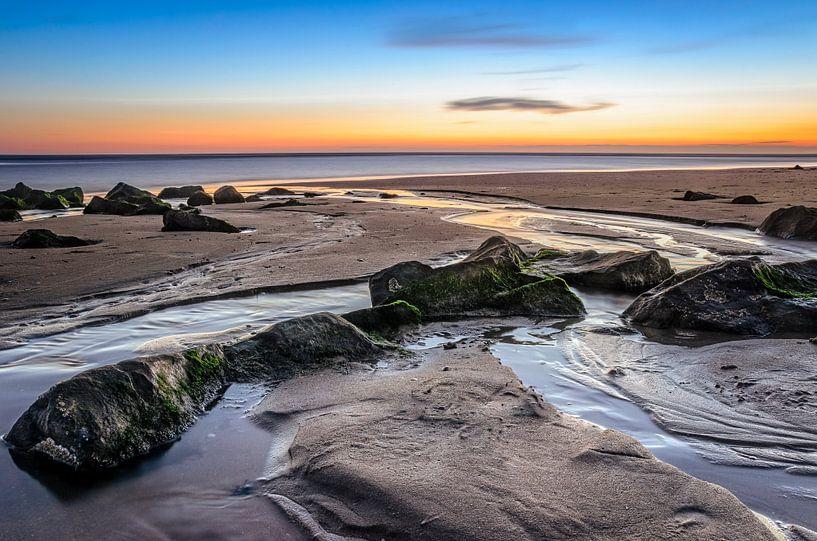 Sunset beach van Richard Guijt