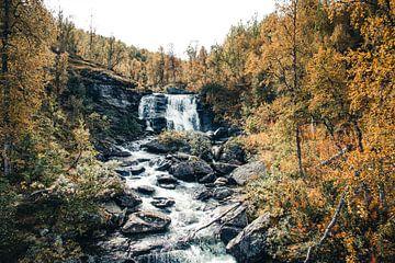 Wasserfall in Schwedisch-Lappland von Expeditie Aardbol