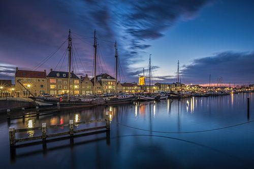 Bluehour at the docks (Hellevoetsluis) van