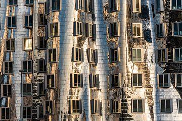 Gehry-Bauten im Medienhafen Neuer Zollhof in Düsseldorf Metallfassade von Dieter Walther