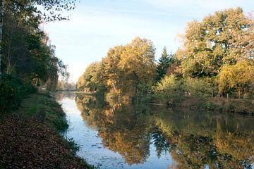 Regge in Nijverdal in de herfst van David Klumperman