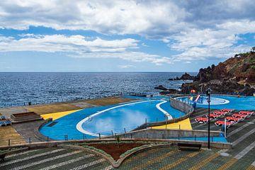 Schwimmbecken in Funchal auf der Insel Madeira von Rico Ködder
