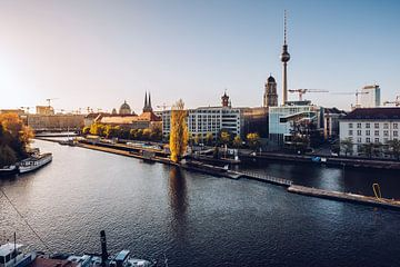Berlin – Skyline / Historischer Hafen von Alexander Voss