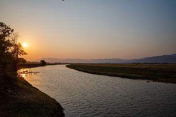 Zambezi zonsondergang van Marco Kost