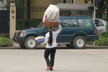 Hanoi Streetscene van Daniel Chambers