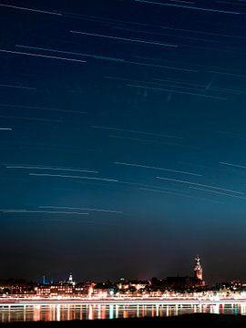 Sterrenfotografie Nijmegen (star trail) van Rutger van Loo
