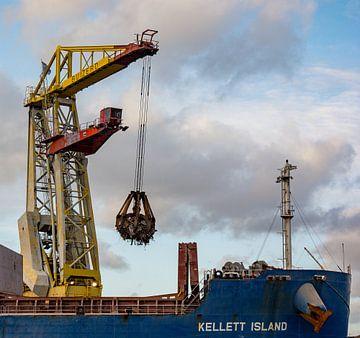 Bulkcarrier en Hijskraan de dans van de haven. van scheepskijkerhavenfotografie