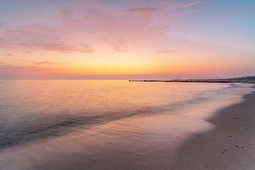 Zonsopgang op het strand van Kühlungsborn van Marc-Sven Kirsch